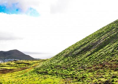 Montaña de Guenia (358 m) Blick auf Guatiza.